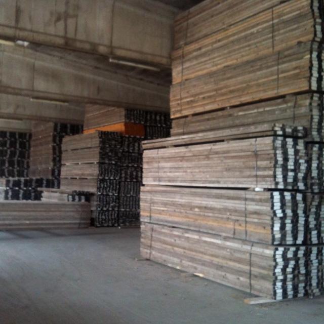 i-nostri-magazzini-materiali